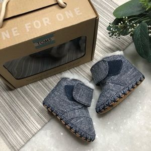 TOMS Cuna Chambray Baby Booties Size 1 (0-6m)